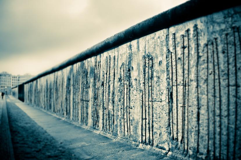 面向高牆,你願意挺起胸膛迎戰嗎?